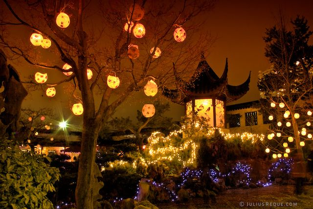 Tonight in Vancouver: The 17th Annual Winter Solstice Lantern Festival at the Dr. Sun Yat-Sen Classical Chinese Garden by [travelfox], via Flickr