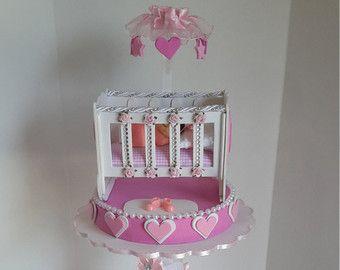 Amarillo centro de mesa para baby shower por DistinctionAndDetail