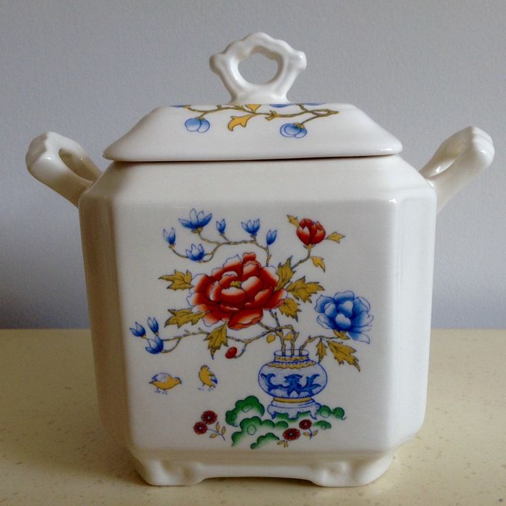Vintage Masons Square Ginger Jar. Could be used as Sugar Bowl or Tea Caddy. Chinese Peony Pattern.