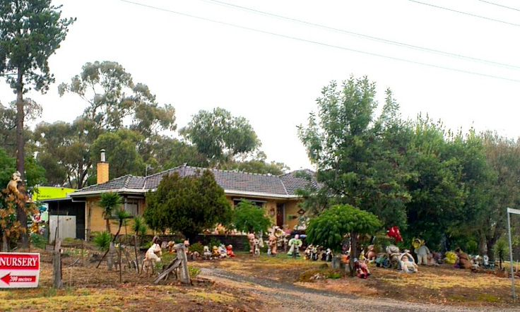 April 17: this Maiden Gully house is on Maiden Gully Rd, right opposite the turn off to the Marist College. Though I'm unsure of the purpose, it's front yard is covered with a plethora of different characters. Whatever the reason, it got the house a guernsey in the project!