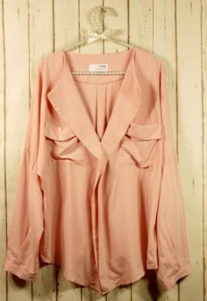 wonderful peach button up: Laidback Artistpink, Pink Blouses, Pretty In Pink, Blushes E.L.F., Fashion Outfits, Color, Artists Pink, Trendy Clothing, Peaches Shirts