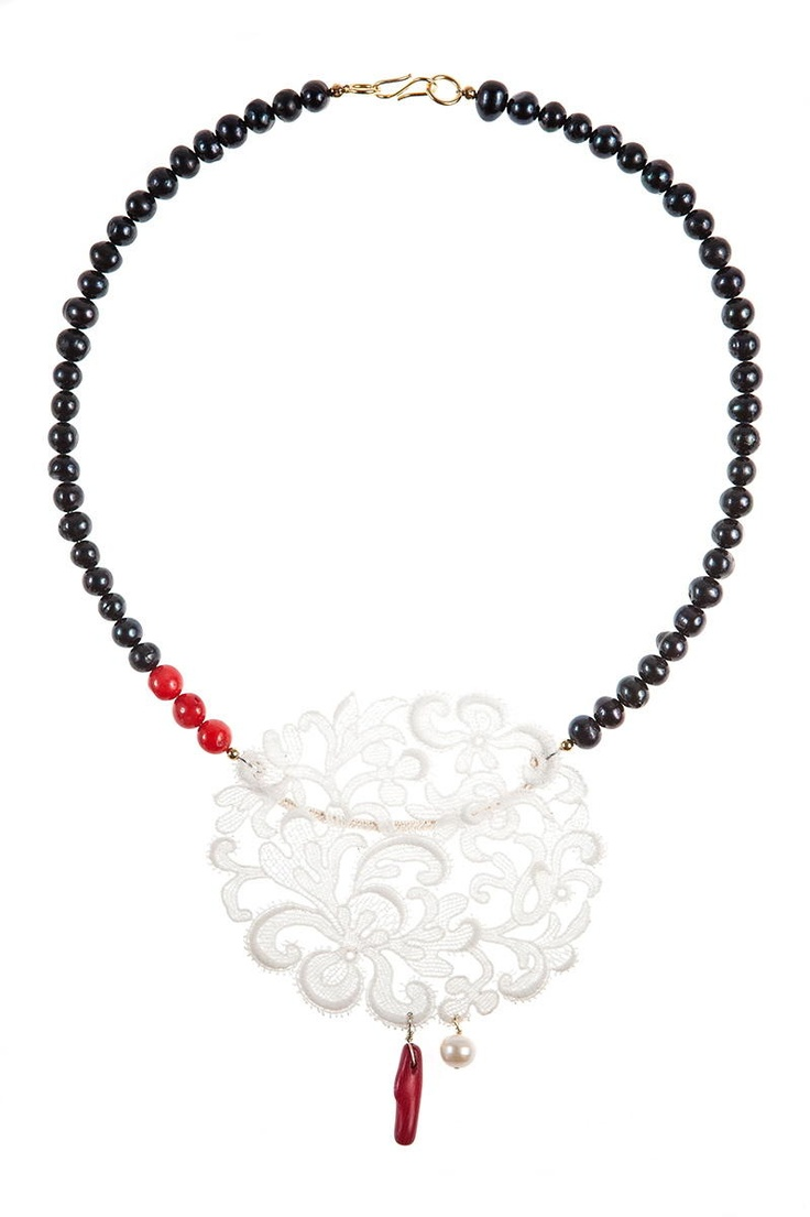 Lady Magpie  Made of: antique lace (1930), cultured pearls, red coral, golden accessories.