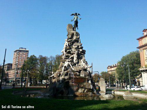 Piazza Statuto - Monumento al traforo del Frejus