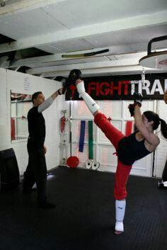 Kickboxing Women.......L.Loe