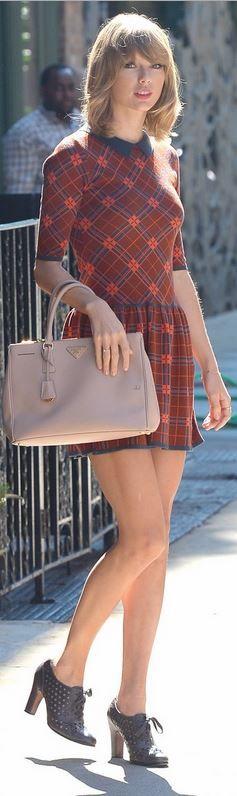 Taylor Swift: Purse = Prada  Dress = CeCe by Cynthia Steffe  Shoes – Sam Edelman
