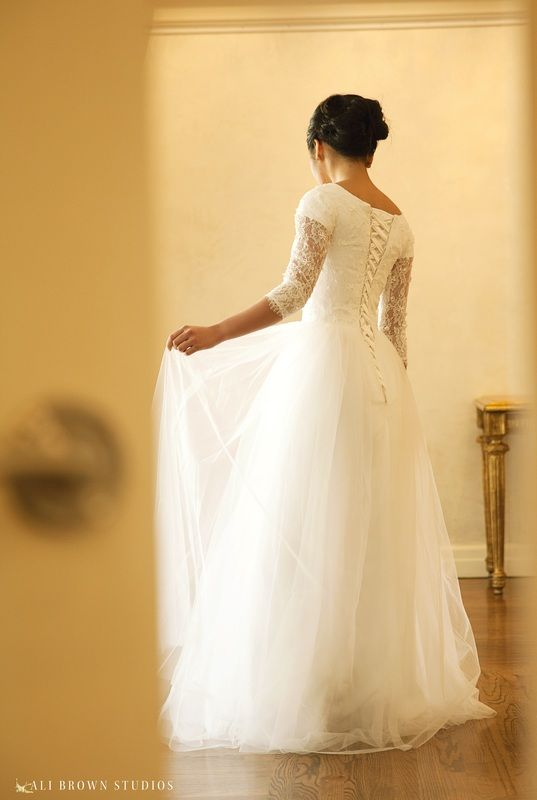 Sennett gown by Elizabeth Cooper Design | Photography by Ali Brown Studios | modest wedding dress | wedding gown | modest | utah | wedding dress with sleeves | sleeves | tulle | ball gown | princess dress |