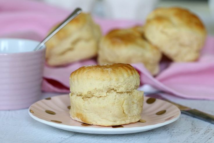 Perfect scones every single time!! The trick to getting them fluffy and soft is in one secret ingredient. Can you guess what it is? #lemonade #scones #recipe #easy #thermomix