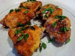 COMIDINHAS FÁCEIS: Sobrecoxa de frango assada ao creme de cebola super facil
