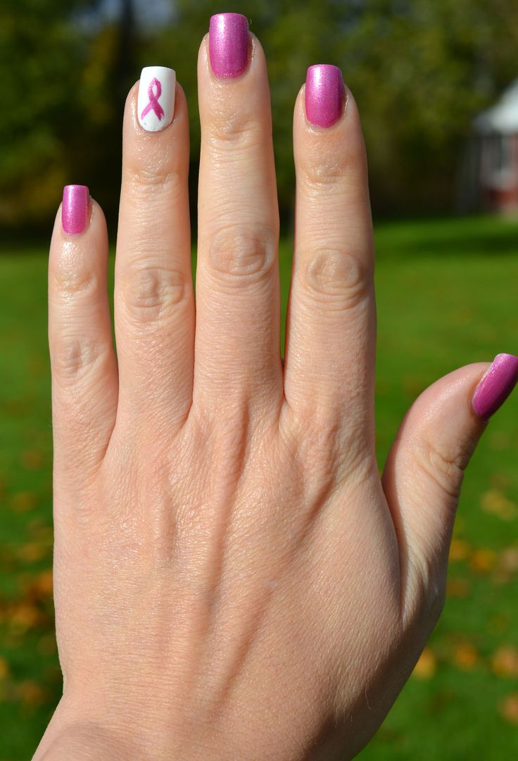 Lacky Corner: Pink Wednesday - Pink Ribbon accent nail!