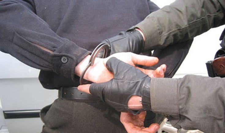 Изнасиловавший и убивший девушку под Новосибирском таксист предстанет перед судом http://kleinburd.ru/news/iznasilovavshij-i-ubivshij-devushku-pod-novosibirskom-taksist-predstanet-pered-sudom/  Задержанный по обвинению в жестоком убийстве 25-летней девушки таксист предстанет перед судом в Новосибирске. Об этом сообщили в пресс-службе Следственного управления СК РФ по Новосибирской области. Ранее сообщалось, что задержанный полицией новосибирский таксист дал признательные показания и был…