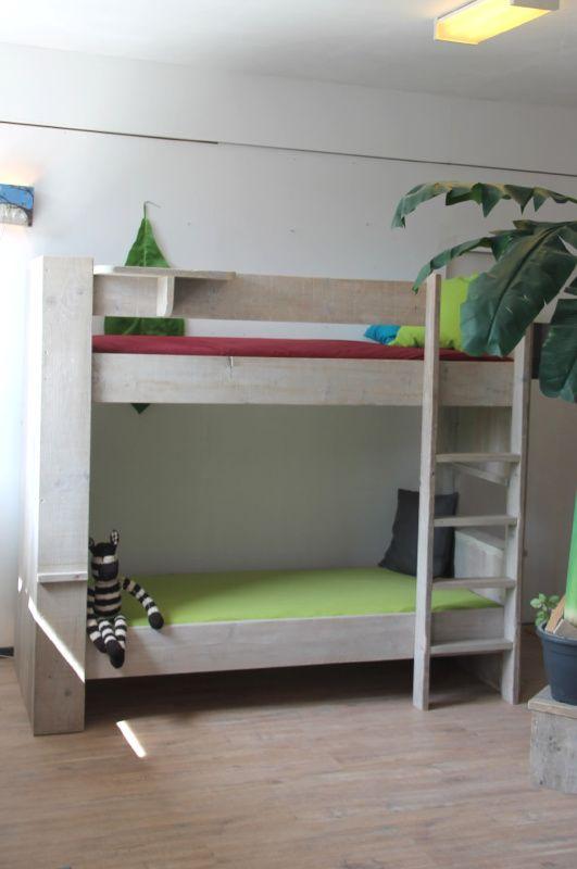 Handig bed!!!!  3 in 1 bed...(Half)-Hoogslaper + Stapelbed splintervrij steigerhout... keuze uit 20 kleuren!