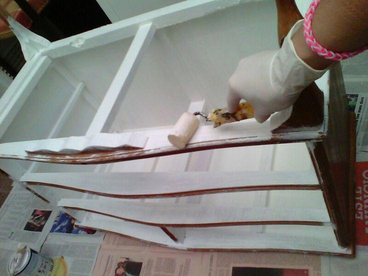Dar selladora +2 manos de pintura acrílica blanco satinado