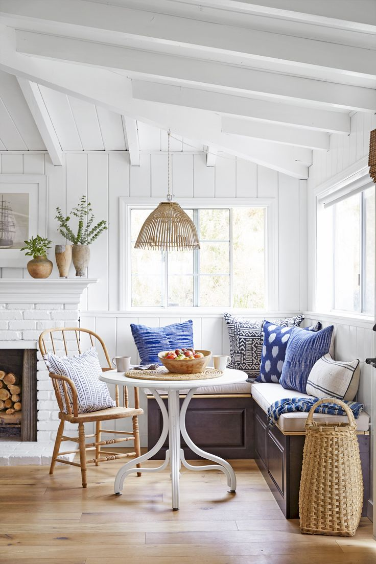 Corner dining nook - Find This Pin And More On N O O K