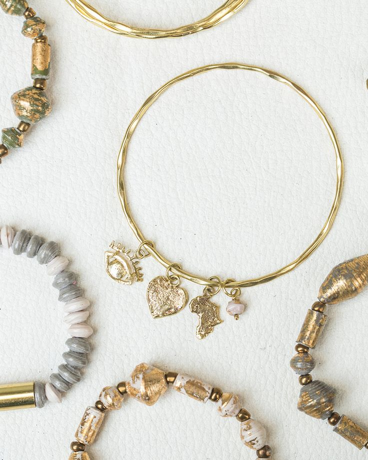 31 Bits Bali Jewelry Collection // Beaded bracelets and stacking bracelets similar to Alex + Ani. We love this ethically + responsibly produced jewelry, straight out of Bali!