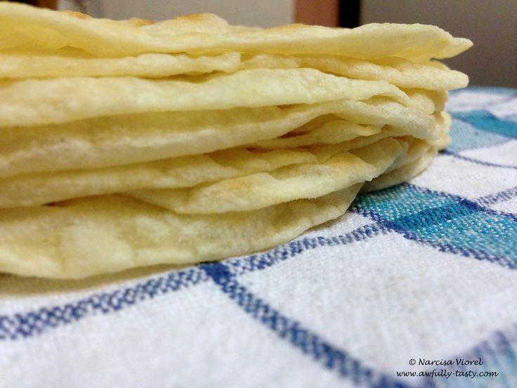 Homemade tortillas. Tortillas nedospite cu untura.