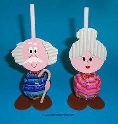 Il 2 Ottobre si celebra la Festa dei Nonni un'occasione per regalare ai vostri cari nonni un simpatico lavoretto da realizzare con i lecca lecca. LAVORETTI