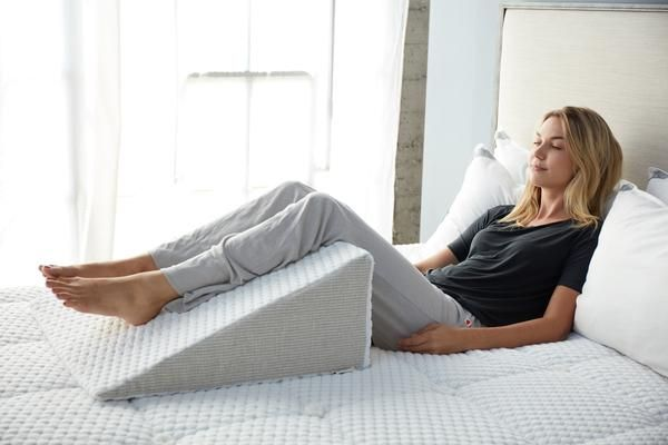 how to use a wedge pillow bed wedge
