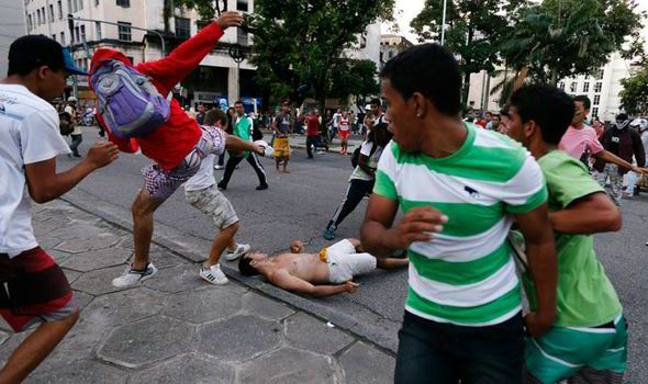 As Brazil Protests Worsen, Rumors that 2014 World Cup Could Be Moved to United States Grow - http://sports.yahoo.com/news/brazil-protests-worsen-rumors-2014-world-cup-could-161400464.html