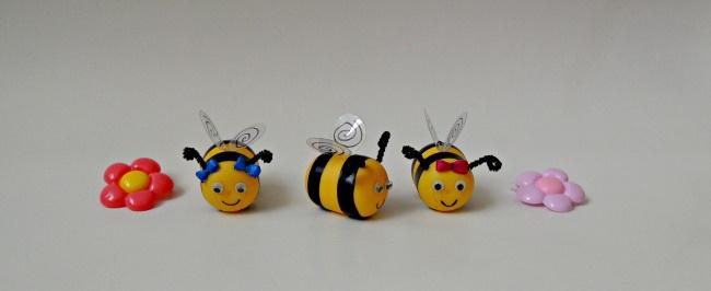 oua kinder: Bumble Bees