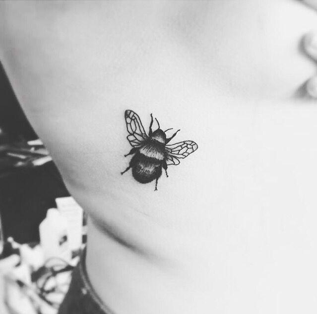 Best 25+ Bumble Bee Tattoo Ideas On Pinterest