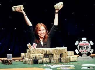 Annie Duke - WSOP Bracelet winner with more than 4 million in winnings