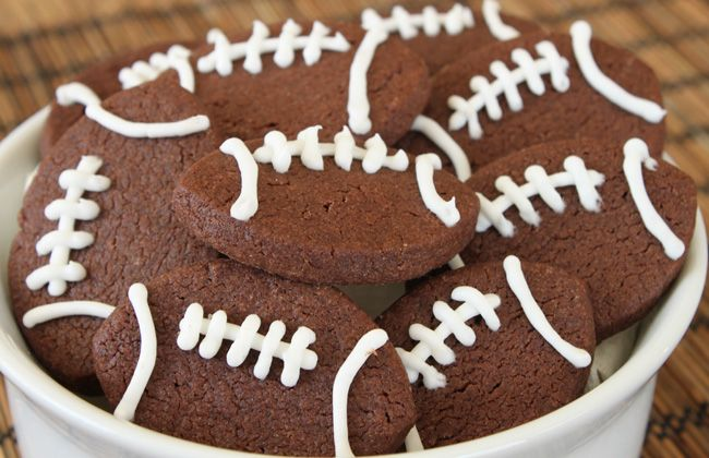 Easy football cookies! #UltimateTailgate #Fanatics