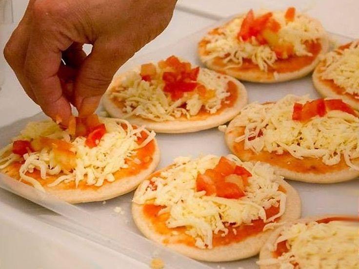 Vynikajúce mini pizze: Ponúkla som ich návšteve a každý sa hneď pýtal na recept. | Báječné Ženy
