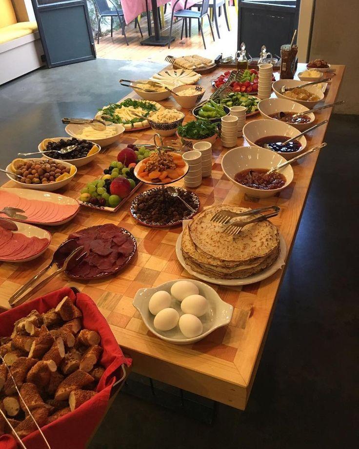 #breakfast #kahvalti #brunch #büyükada #istanbul #buyukada #haftasonu #weekendvibes #serguzestotel #sermest #serguzest #kucukoteller #butikotel #boutiquehotel #smallhotels #princeislands #adakafasi #tatilkafasi #cokgezenlerkulubu #kucukotellerkitabi #travelgram #hurriyetseyahat #theplaceiwastellingyouabout #huffpostgram #Beautifulhotels #hayatinrenkleri