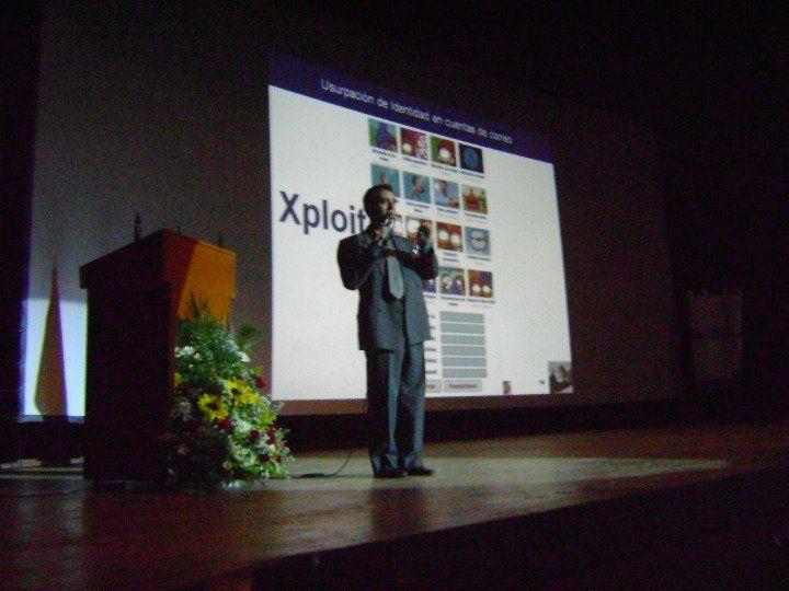 Ingeniería Social. Jornadas de Ingeniería UJGH. Maracaibo, Zulia. 2010