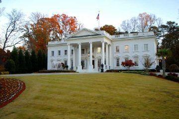 3/4-scale model of the White House in Atlanta, Georgia