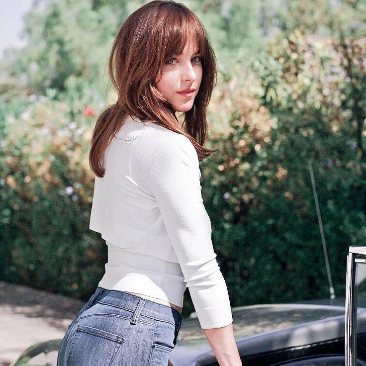 New gorgeous picture of Dakota from #FiftyShades promo shoot!  Thanks to @FiftyShadesEN :)