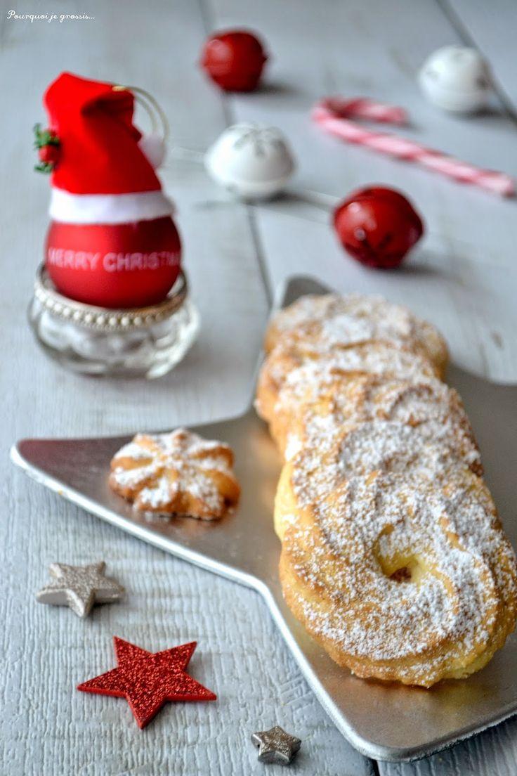Pourquoi je grossis ...                          : Biscuits de fêtes, ou bredele, à la noix de coco.