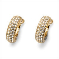 Earrings made of gold plated metal, size 1.7 cm, encrusted with clear Swarovski® Elements crystals.