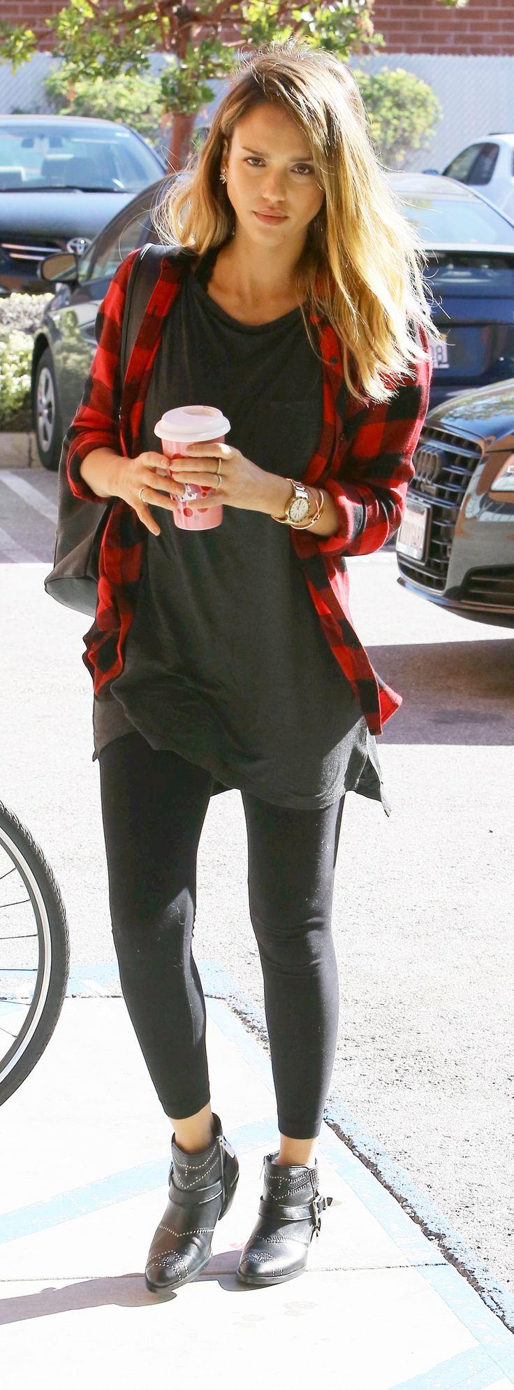 Jessica Alba - Tartan-Trend                                                                                                                                                                                 Mehr