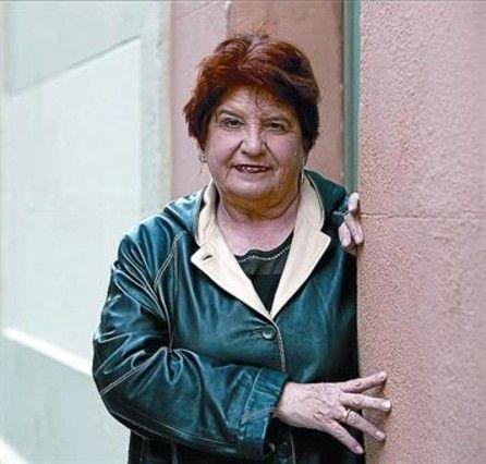 Carmen Avendaño (Vigo, 21 de novembro de 1954) é unha muller coñecida pola súa loita contra o narcotráfico en Galicia e coordinadora e presidenta da fundación Érguete-Integración. Obtivo diversos premios debido a súa solidaridade e como recoñecemento ao seu compromiso persoal na defensa dos xóvenes adictos ás drogas e pola súa decidida actitude de loita contra o tráfico de estas.