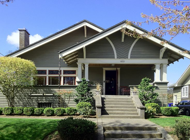 112 best exterior homes images on pinterest wall paint for Craftsman architectural details exterior