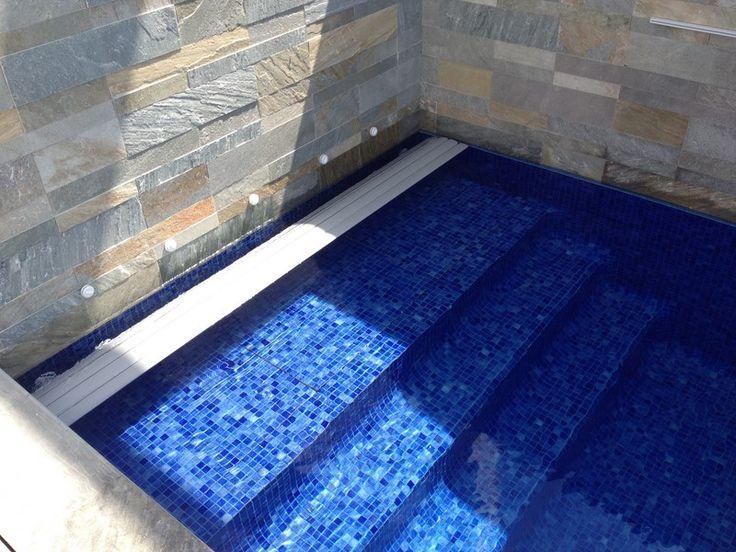 17 best images about piscine couverture on pinterest. Black Bedroom Furniture Sets. Home Design Ideas