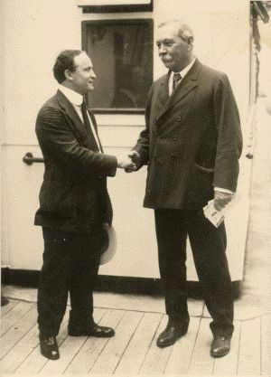 Image result for harry houdini and arthur conan doyle