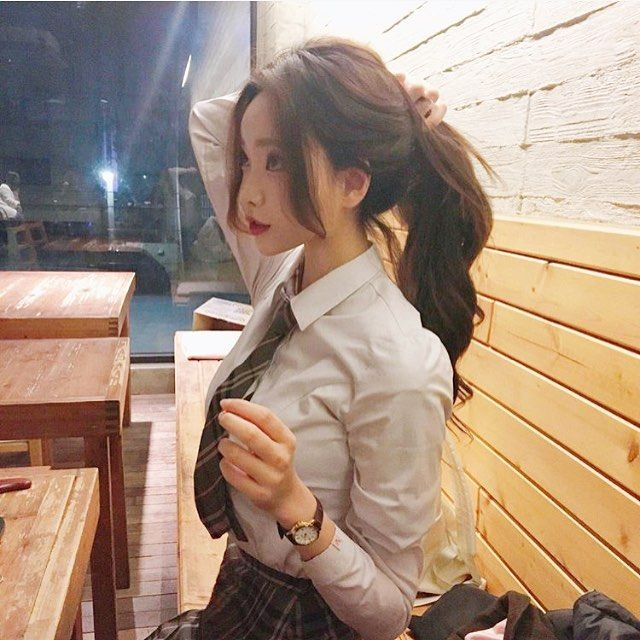 {open} Ayame sat up, fixing her ponytail as the waitress brought her her drink. A steaming cup on tea was placed before her, drawing a smile from her soft red lips. As she grabs the glass, (y/c) takes a seat in front of her, making her raise her eyebrows.