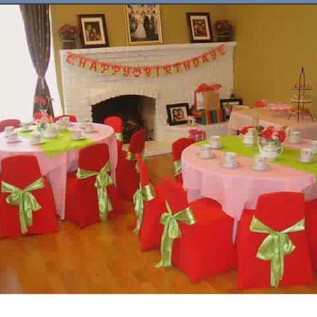 strawberry shortcake theme birthday party set up table decoration ideas centerpieces & 107 best Strawberry Birthday images on Pinterest | Strawberries ...