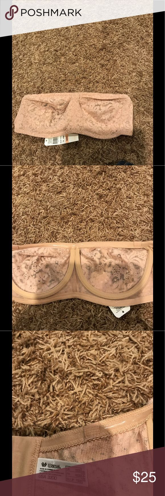 NWT wacoal 32DD Halo Lace strapless bra Wacoal 32DD bra NWT Style number - 65449- Halo Lace strapless bra Bra is Bandeau style with an underwire  Has silicone along the edges for extra comfort and support and to help it stay in place Bra has the optional straps included Wacoal Intimates & Sleepwear Bras