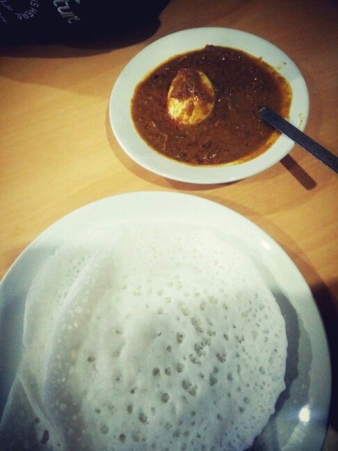 Aapam n egg gravy