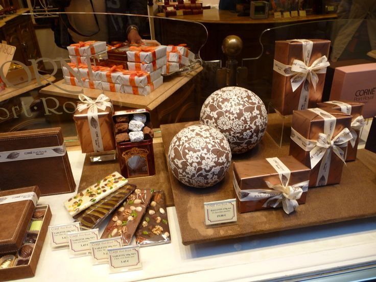 Chocolate window shop display, Brussels.