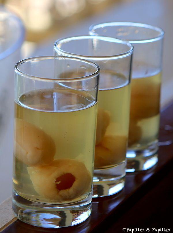 Rhum arrangé aux lichis : on peut le boire de suite en plus