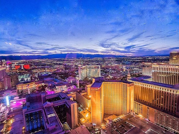 This Las Vegas view from the High Roller Wheel was quite impressive and one of the highlights of the trip!   If you plan a trip to Vegas soon make sure to check out my tips on how to make the most of your days there  link in bio!  . . . . #travelblogger #ivegotsunshine #travelblog #instatravel #jetset  #bloggerlife #ontheblog #linkinbio  #mytinyatlas #visualsoflife #wonderful_places  #passionpassport #instapassport #globetrotter #sunshinegirl #lovetotravel #traveldiary #viewfromthetop…