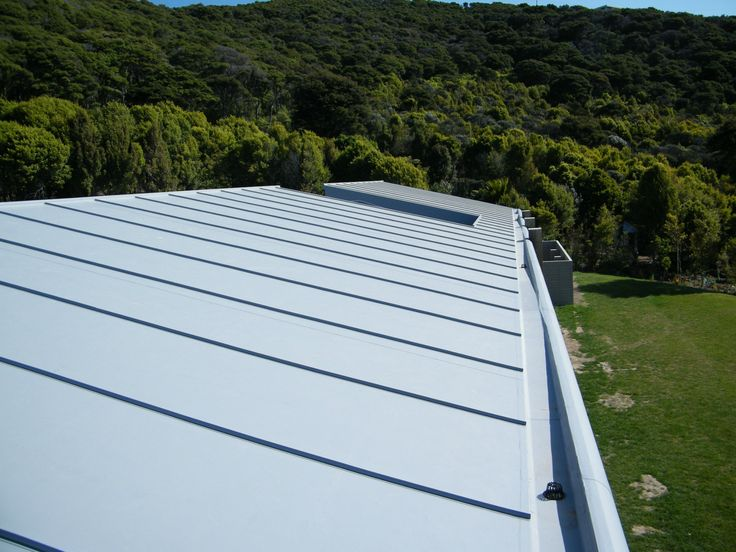Adding detail to an Enviroclad roof on Waiheke Island