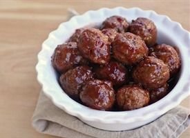 3-Ingredient Sweet and Sour Meatballs Recipe - Tablespoon