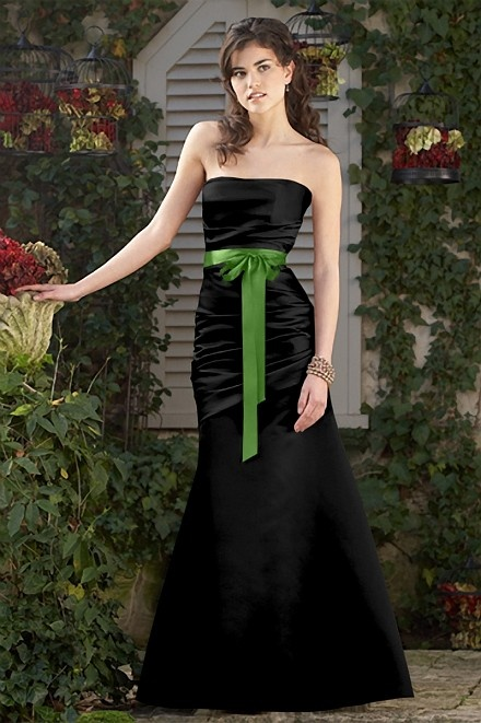 For a summer wedding we could do this or a shorter version, with either black dress with green sash or green dress with black sash.