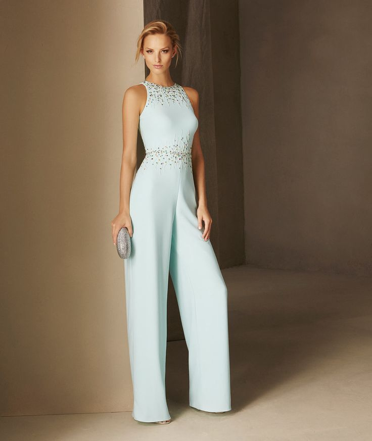 BLASCO - Straight cocktail jumpsuit in crepe with a halter neckline and fitted at the waist | Pronovias