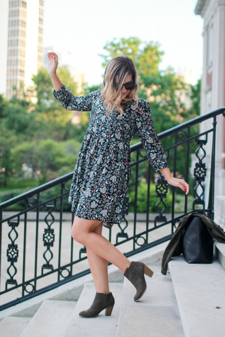 Printed Swing Dress + Olive Booties // Chicago Style Blogger // Old Navy #50Styles50States